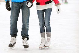 couple-skating