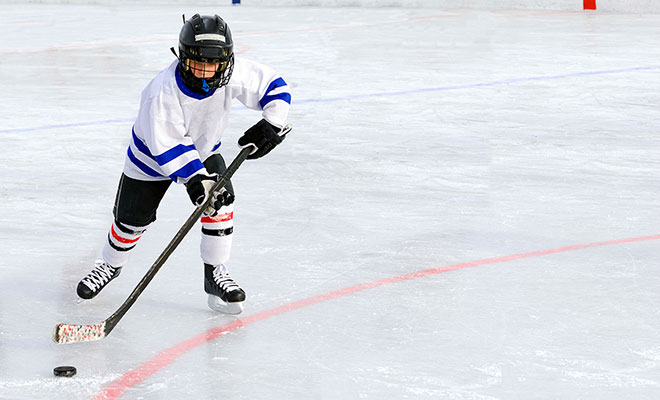 Kid-playing-hockey