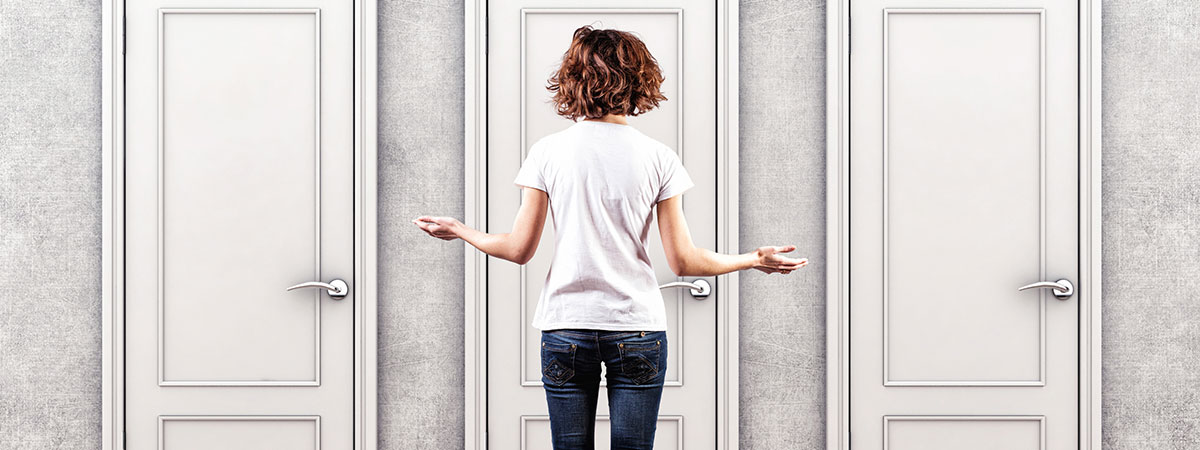 Women-deciding-between-doors