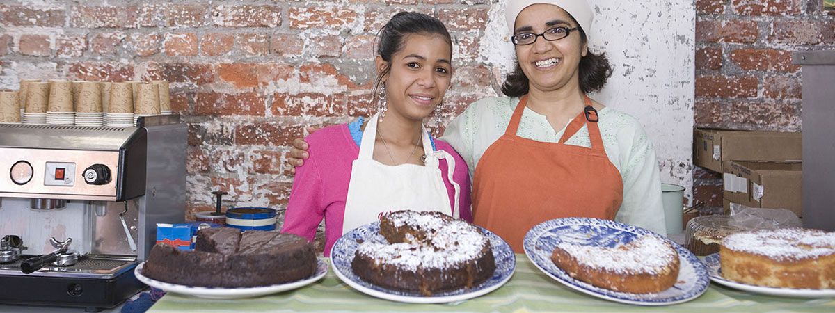 women-at-bakery