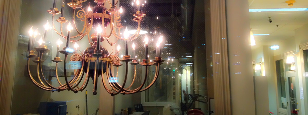 chandelier-university-ave-50-north_tosh-metzger