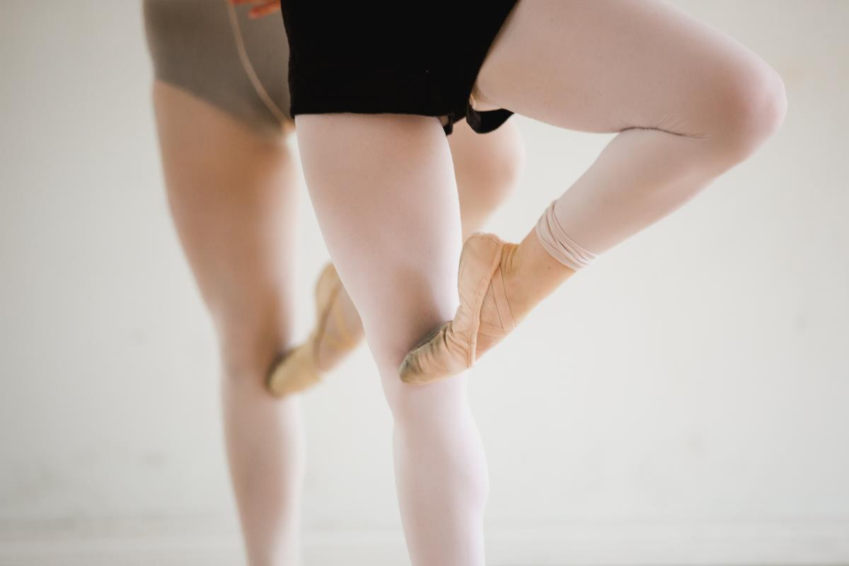 ballet-warm-up-position
