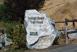 Indian-Rd-Trailhead-Sign-2